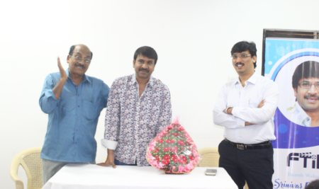 Actor SRINIVAS REDDY interacting with FTIH students